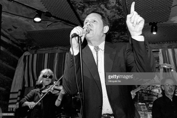Western Caravan performing at Rodeo Bar on May 25, 1998.This image:Thirsty Dave Hansen on vocal.(Photo by Hiroyuki Ito/Getty Images)